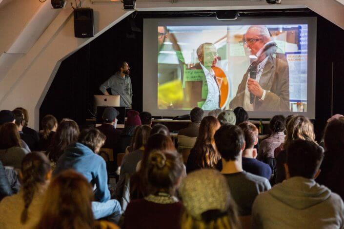 Stuttgart, 13.12.2017: Praesentation Jan Lutz über luftdaten.info (Foto: Merz Akademie, Victor S. Brigola)